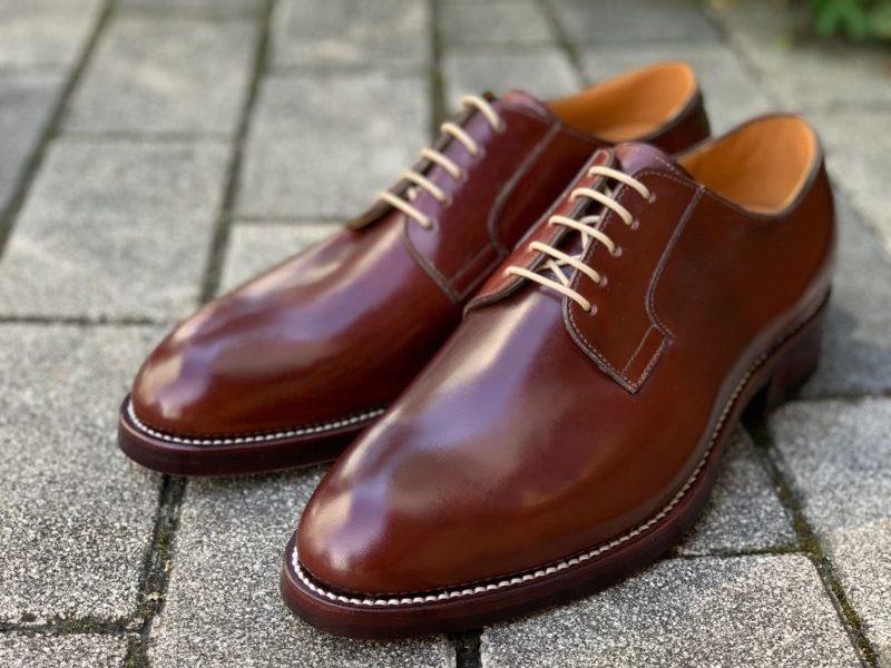 ブラウンカラーの紳士靴